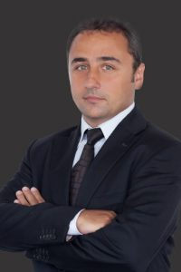 Bogdan Sergentu MRICS Head of Valuation & Consulting fundal gri